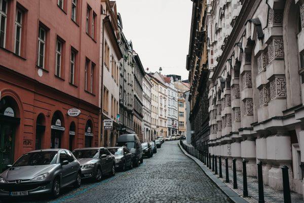 Podnikatelé sídlící v prostorách hl. m. Prahy mohou do konce května žádat o slevu na nájemném